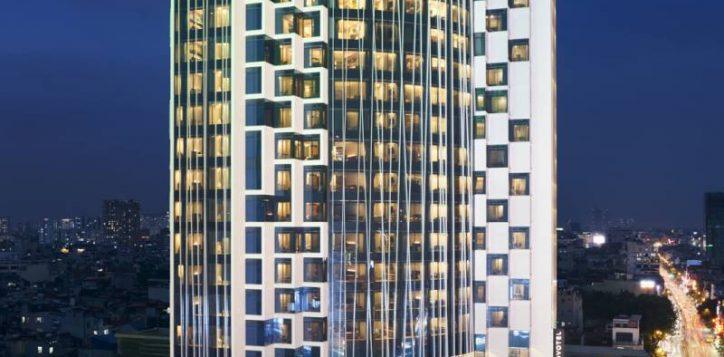 2020_09_24novotelthaihahanoi_markfarwell-facadenight-0519-2